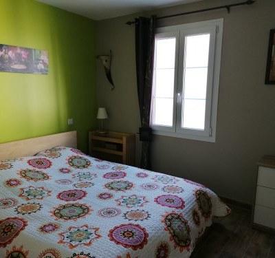 Maison neuve 3 chambres, jardin clos, garage